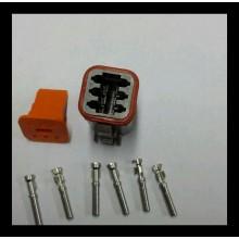 4046 Deutsch konektor 6 polni z ženskimi končniki in zaklopom